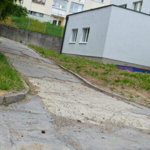 chodníky v areáli MŠ Tatranská