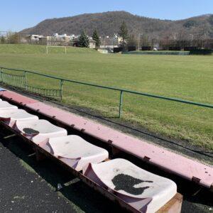 Torzo tribún Mestský mládežnícky štadión Radvaň
