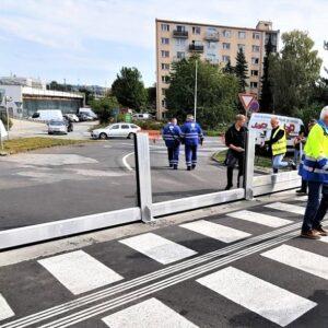 Súčinnosť Mestskej polície Banská Bystrica pri montáži prvkov mobilného hradenia